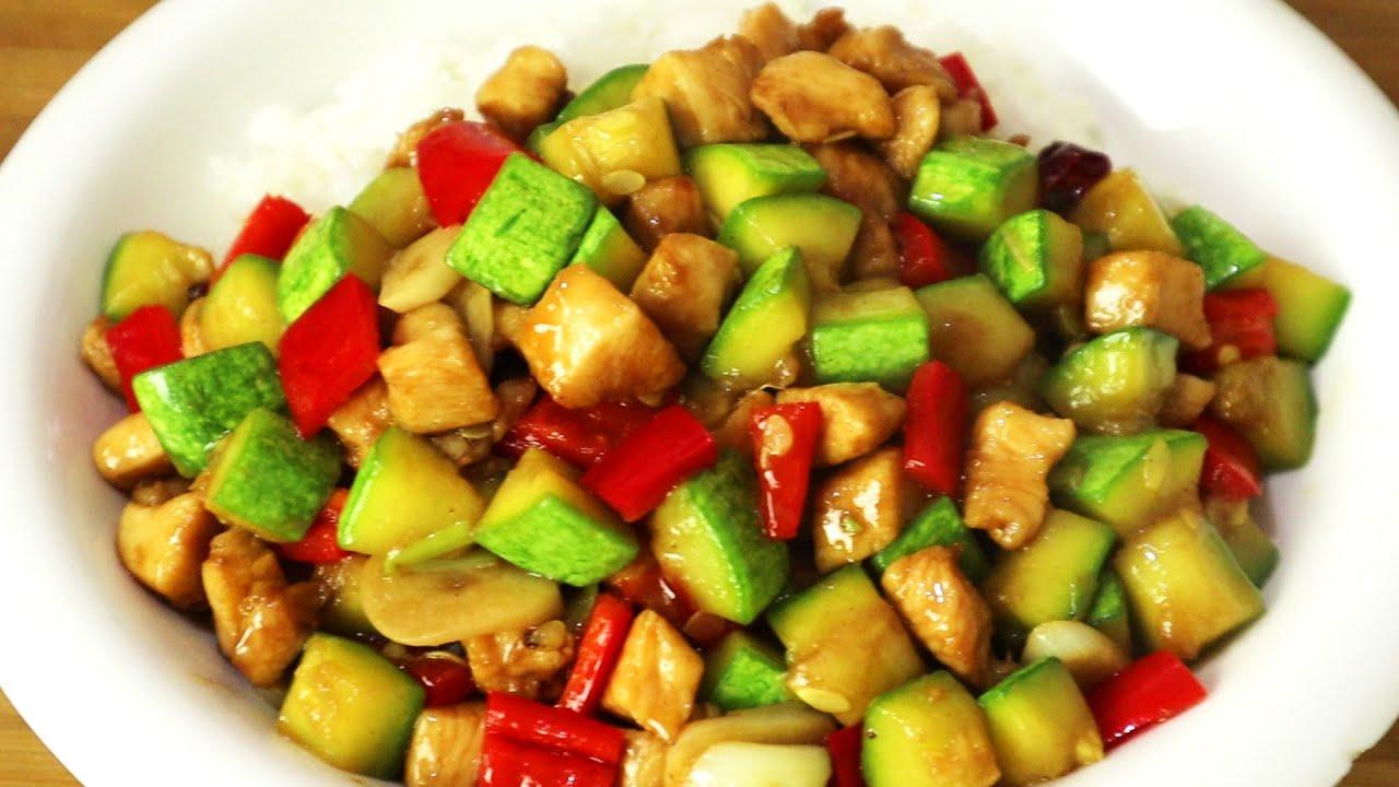 西葫芦这样做太好吃了,加碗米饭,比红烧肉还香,出锅连汁都不剩