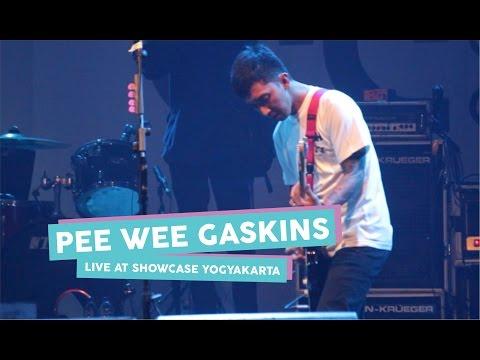 [HD] Pee Wee Gaskins - Dibalik Hari Esok (Live at SHOWCASE Yogyakarta, April 2017)