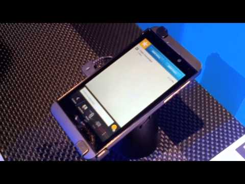 Blackberry Z10 - Demo Of The BlackBerry Video Chat And Screen Share App