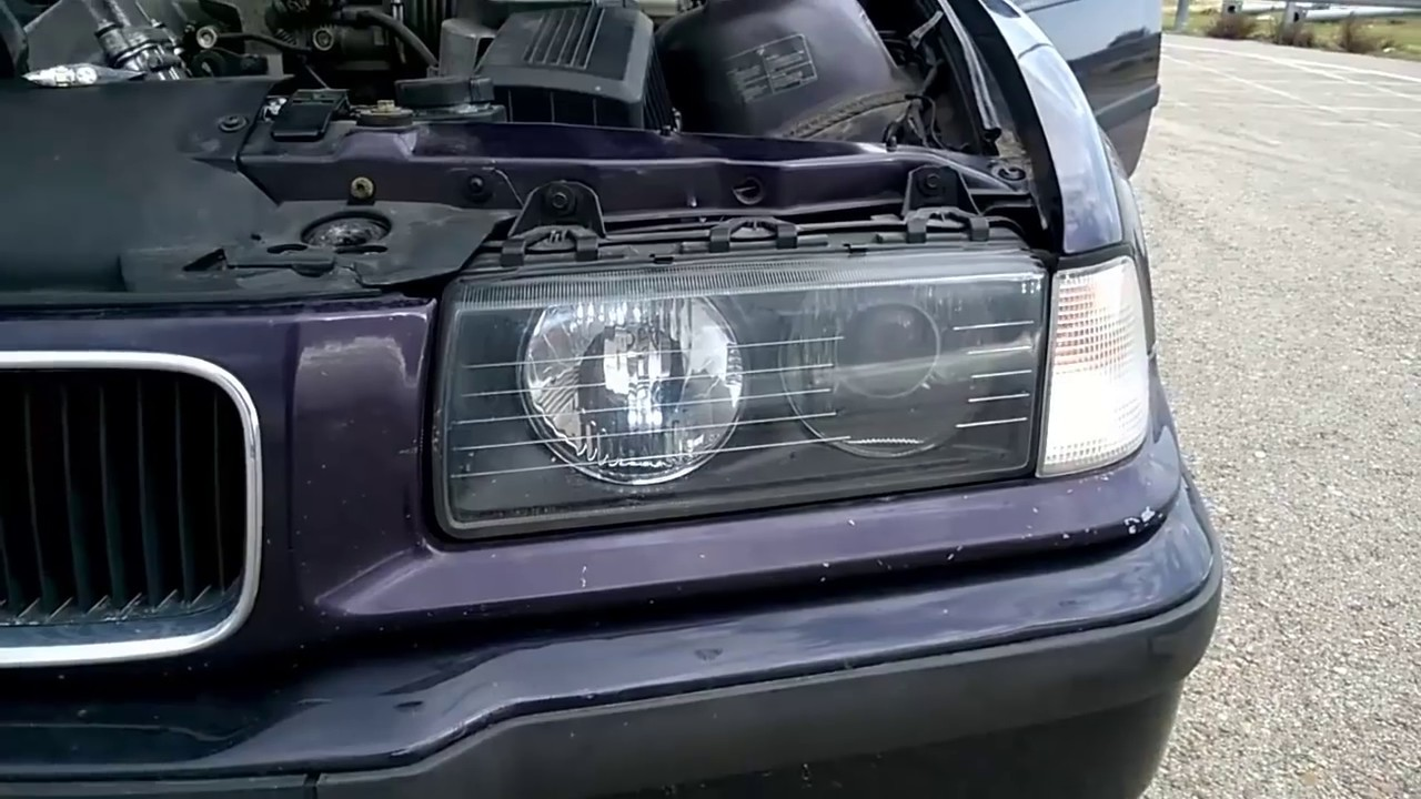 Cómo Cambiar Bombilla BMW Philips Xtreme Vision - YouTube