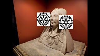 La rueda dentada del club Rotary es lo que tiene la dama de Elche en su cabeza