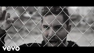 Смотреть клип David Bisbal - Duele Demasiado