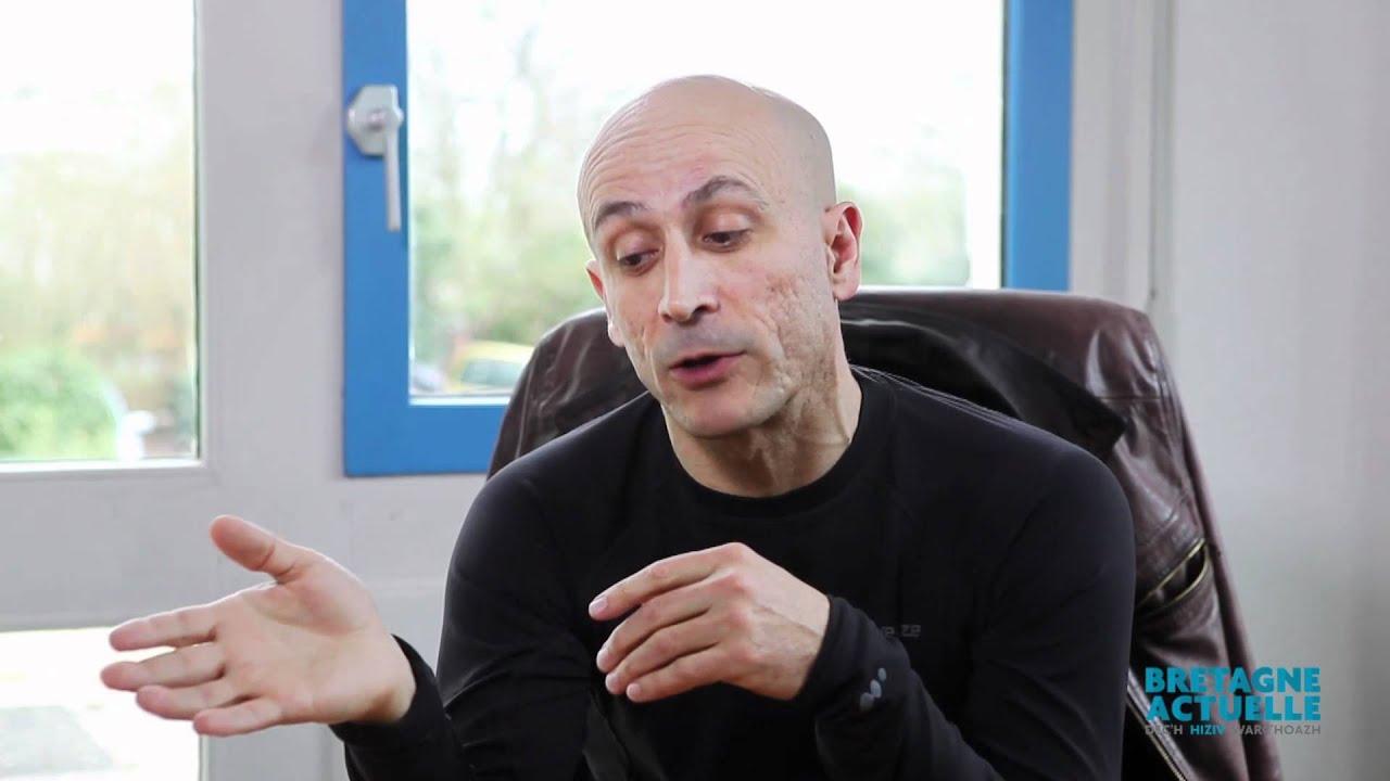 interview de renaud s guier co fondateur de dynamixyz youtube. Black Bedroom Furniture Sets. Home Design Ideas
