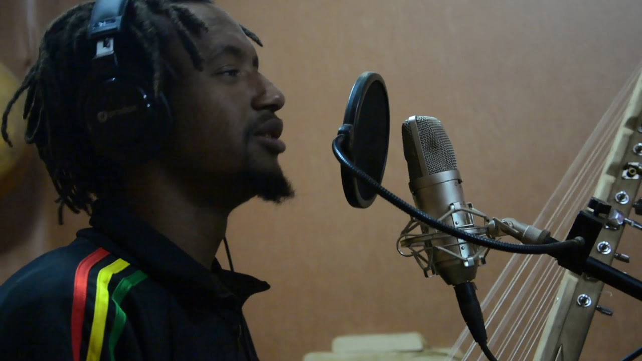 Download Adama Dicko feat. Dicko Fils  - Djelgodji