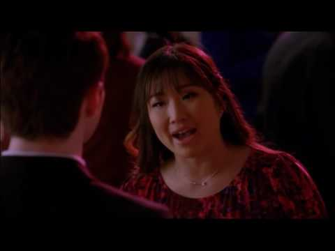 Glee - Tina tells Kurt that she doesn't like the way he treats Blaine 4x14