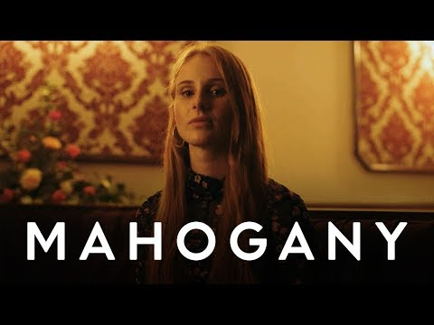 Vera Blue - All the Pretty Girls | Mahogany Session