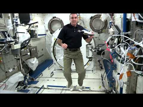 Station Astronauts Do Experiment for 'Cosmos'