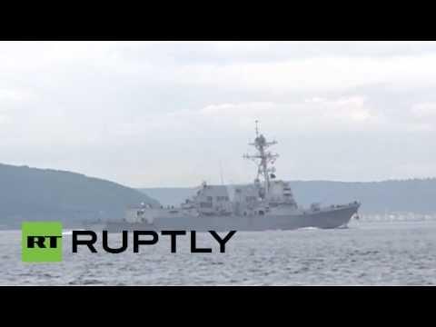 Video: Un destructor estadounidense armado con misiles llega al mar Negro