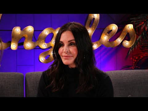 Courteney Cox's Visit to the Real Friends Apartment Will Give You All the Feels