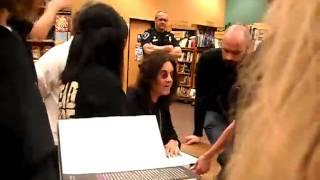 Ozyy Book Signing Ep. 4