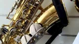 в продаже альт саксофоны  King 613 и Vito japan копия Yamaha23