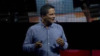 Habilidades para carreras que no existen | Fabian Segura | TEDxPuraVidaED