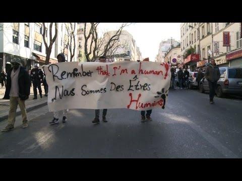 Des migrants menacés d'expulsion manifestent à Paris