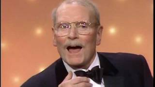 Laurence Olivier Receives Cecil B. DeMille Award - Golden Globes 1983