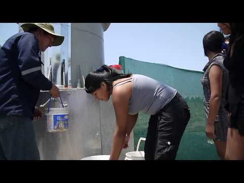 Billboard Produces Drinkable Water From Desert Air in Peru