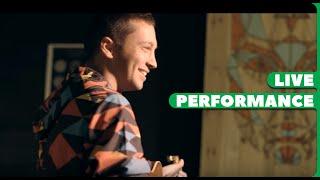 Twenty One Pilots - Tear In My Heart (Sydney Pop-Up Performance)