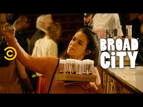 How To Have The Ultimate Broadway Experience - Broad City