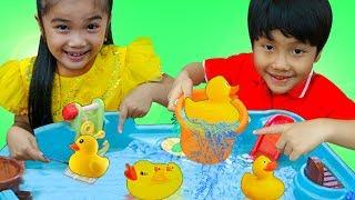 Hana & Tony Pretend Play w/ Kids Water Table Boat Playground Toys