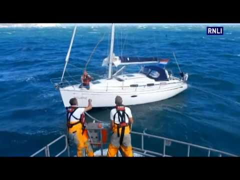Yarmouth Lifeboat Rescues Yacht With Broken Rudder In Violent Seas