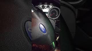 форд фокус 2 стук в рулевой колонке