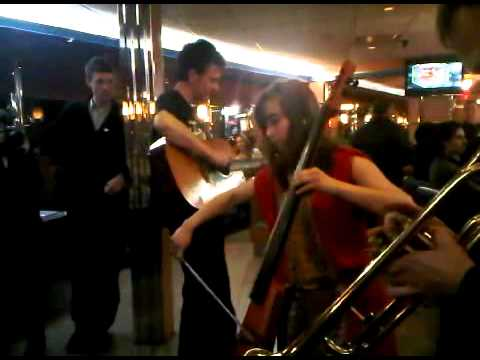 The Best Thing Ever - surprise show at a Brooklyn diner