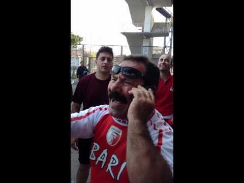 Post partita Pescara-Bari - il baffone telefona a radio Bari