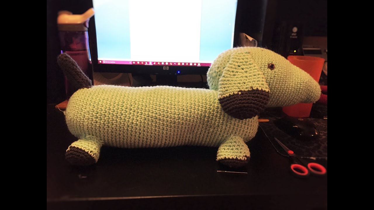 Amigurumi Wiener Dog Pattern : Wiener dog amigurumi youtube