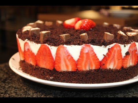 erdbeer schoko torte mit joghurt creme chocolate cake with strawberries and jogurt filling. Black Bedroom Furniture Sets. Home Design Ideas