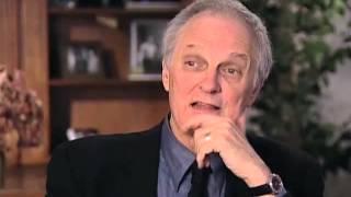 Alan Alda discusses censorship on MASH - EMMYTVLEGENDS.ORG