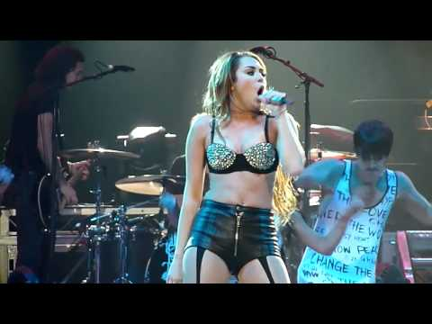 Miley Cyrus - Party In The USA HD - Live From Brisbane Australia