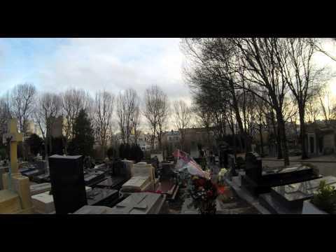 Père Lachaise Cemetery in 4K