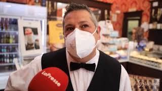 Torino, il barista incatenato per 12 giorni rinuncia alla protesta: «No alle violenze»