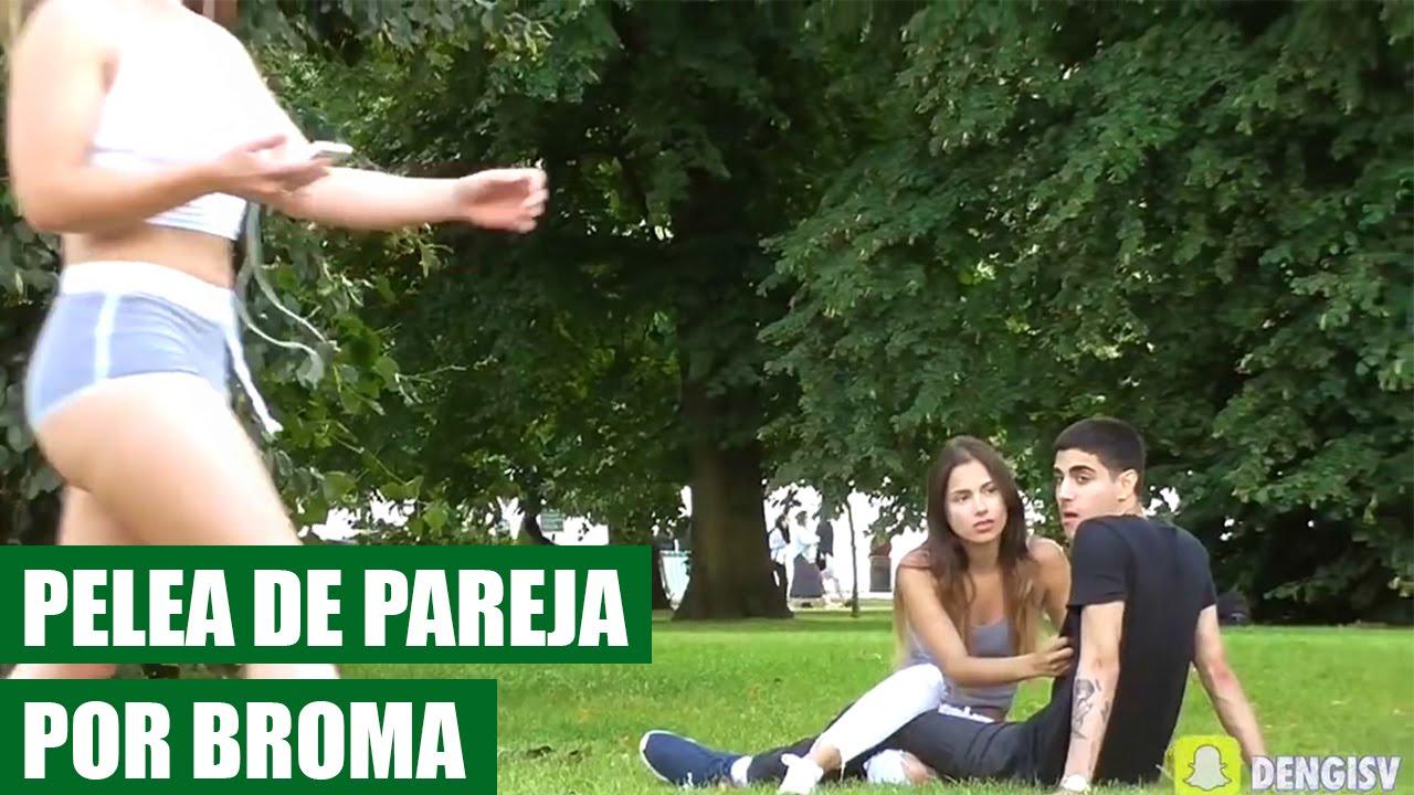 Broma de Chica Sexy Caminando Hace Pelear a Pareja || VIDEO VIRAL ...