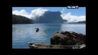 On The Spot - 7 Danau Bermitos Angker di Indonesia