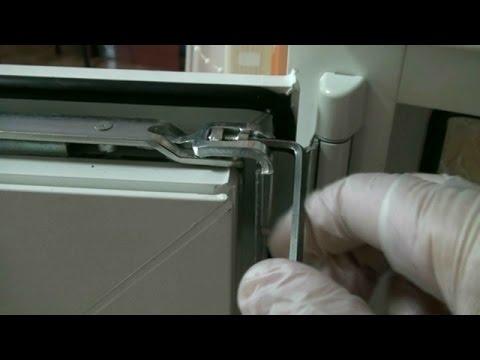 Регулировка верхней петли пластикового окна или балконной двери. Регулировка окон ПВХ своими руками.