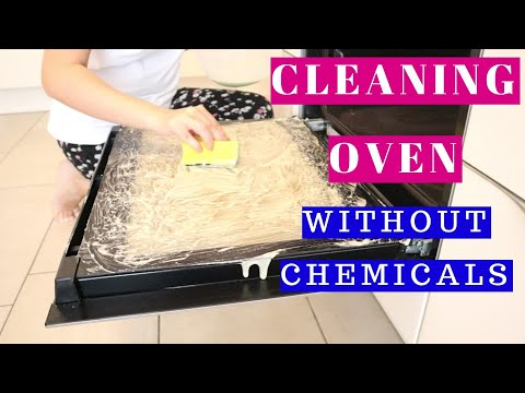 CLEAN OVEN WITH BAKING SODA AND VINEGAR...