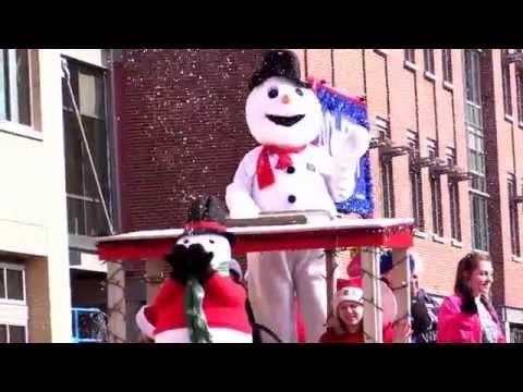 WN - bentonville ar high school band in christmas parade