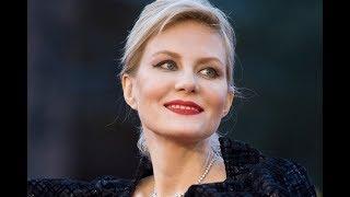 «Как на мамочку похожа»: Рената Литвинова показала фото взрослой дочери