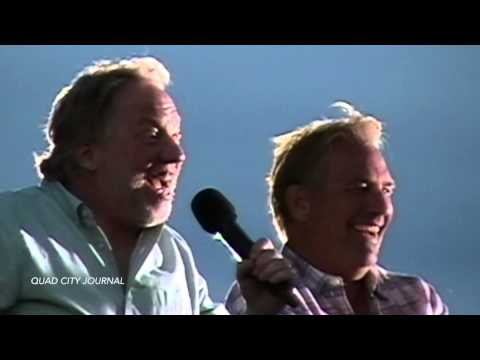 Timothy Busfield shares stories from working on Field of Dreams