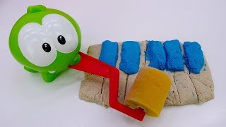 Om Nom Toy 39 S Adventures A Play Doh Piano