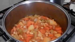 Vegetarian White Kidney Beans Fasolia - Stavros' Kitchen -  Cypriot Cuisine