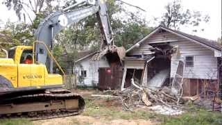 1405 Branch St Tallahassee, FL House Demolition 1 of 4
