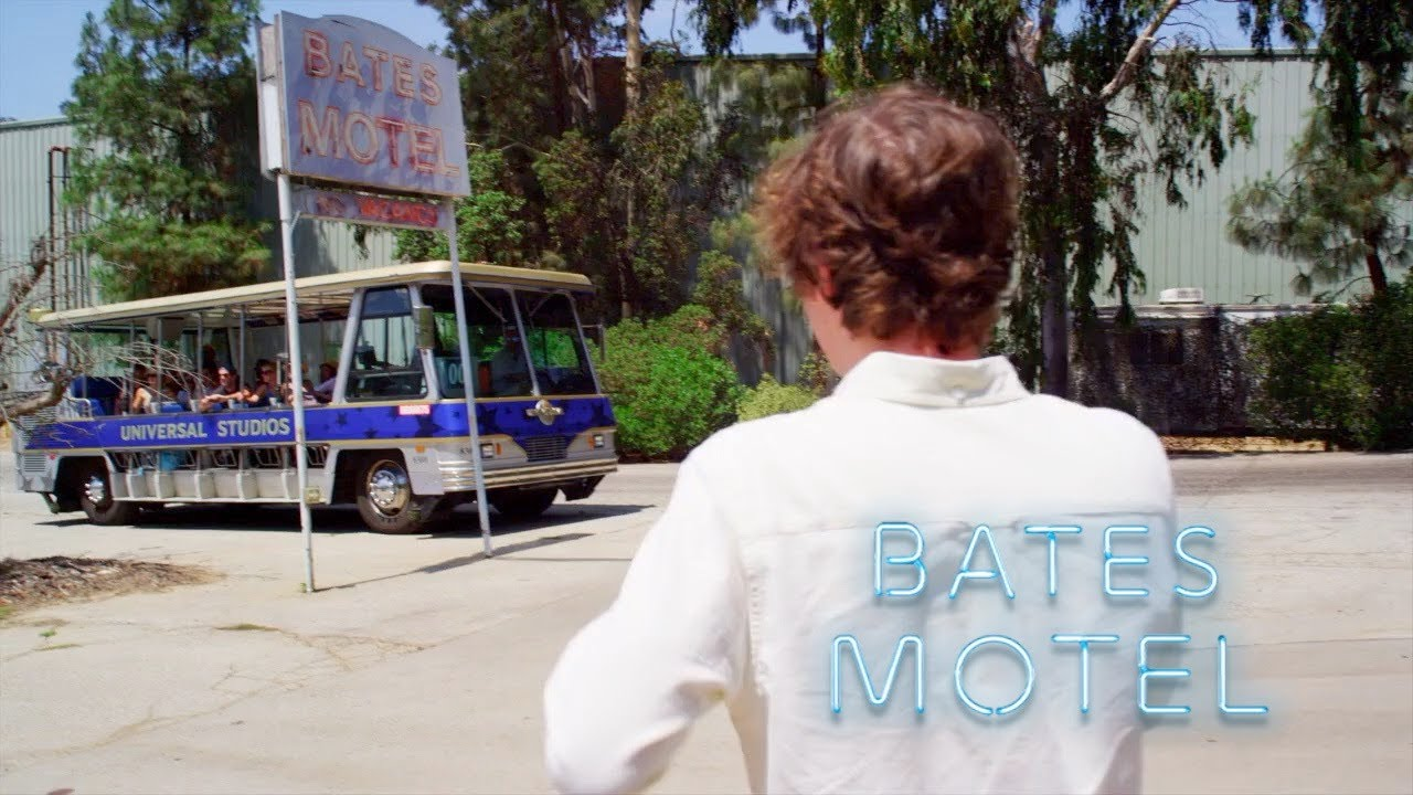 Download Bates Motel Universal Studios Hollywood Psycho House Studio Tour A&E Short for Comic-Con