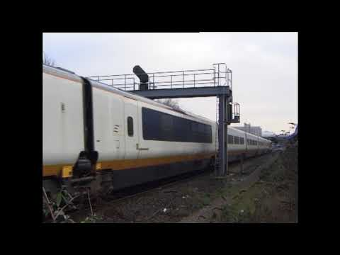 Trains at Kensington Olympia 17 December 1998