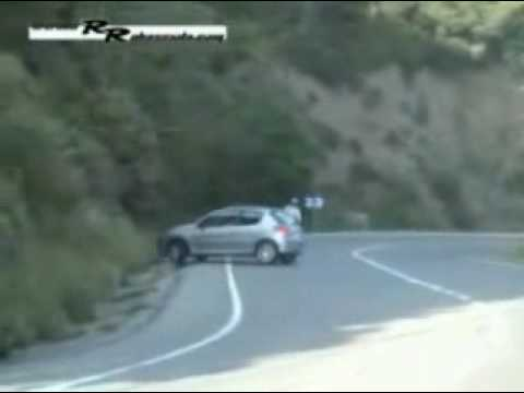 voiture crash pegut