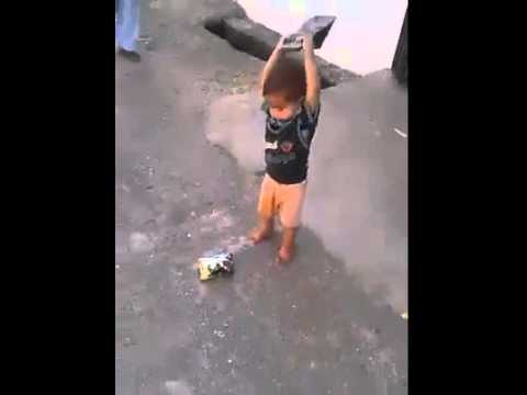 punjabi kid jugar Opening Chips packet with chaple  very funny whatsapp