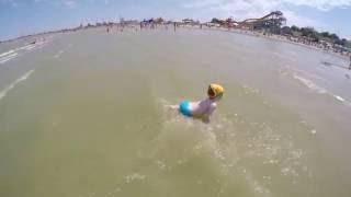 Куда поехать на море ! Отдых с ребенком на Азовском море  2016  Детский пляж г Ейск(Отдых с ребенком на Азовском море 2016 Детский пляж г Ейск Этот пляж еще называют Козий., 2016-08-08T16:37:22.000Z)
