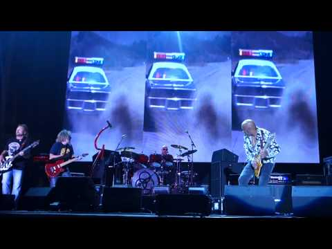 van halen Sammy Hagar Micheal Anthony i cant drive 55 with bass solo