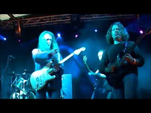 Robert Palmer- Bad Case Of Loving You (Doctor Doctor) Jam Session Cambridge Rock Festival 2006.