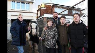 Gypsies Next Door S01E01 New